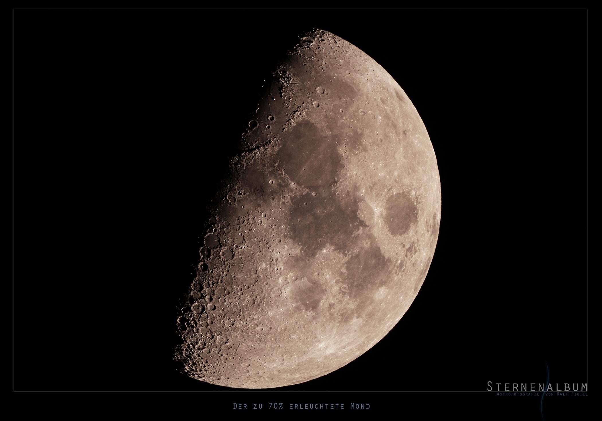 Der zu 70% erleuchtete Mond